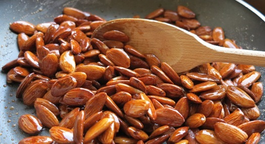 almonds with caramel